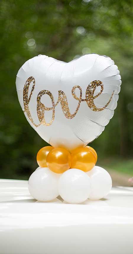 Bouquet de ballons gonflés a l'air Love